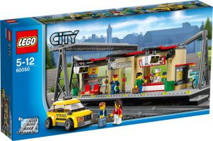 7 LEGO City Treinstation - 60050